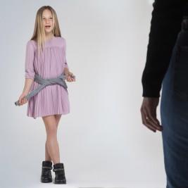 Suknelė paauglei rožinė klostuota