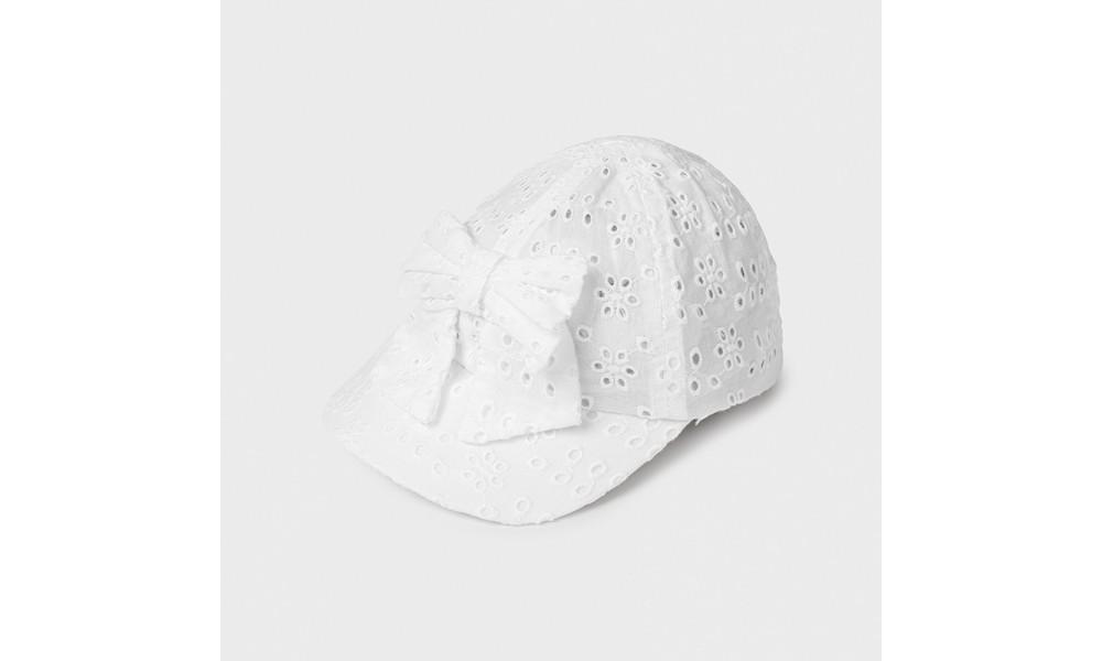 Kepurėlė kūdikiui mergaitei balta perforuota