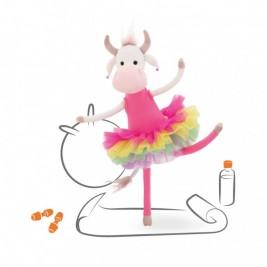 Pliušinis žaislas Karvutė gimnastė