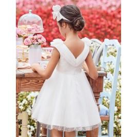 Suknelė iš spindinčio balto tiulio ir satino