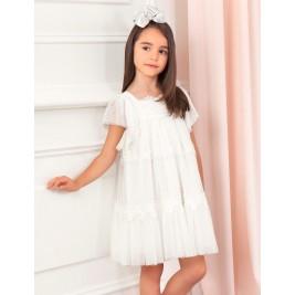 Suknelė balto tiulio išsiuvinėtomis gėlėmis